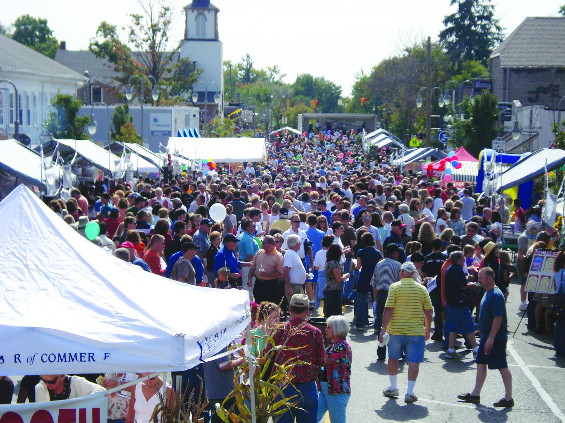 Clarkston_Main Street During Taste