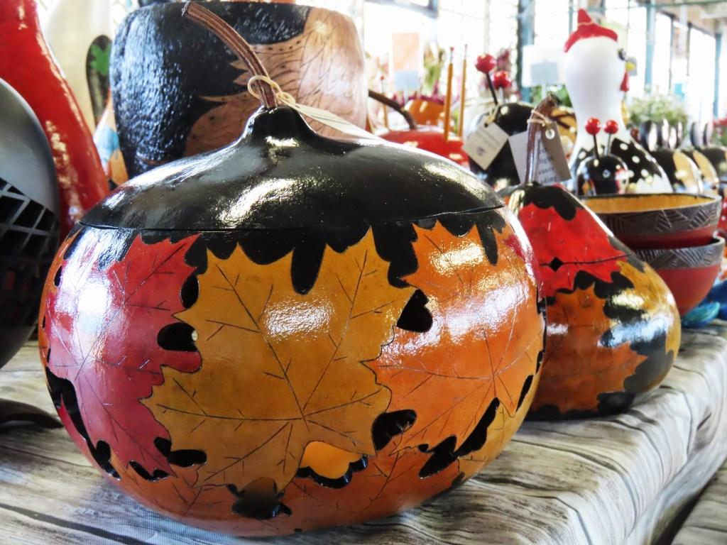 leaf painted gourd